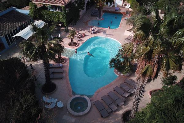 La piscine de la résidence proche des plages Porto-Vecchio
